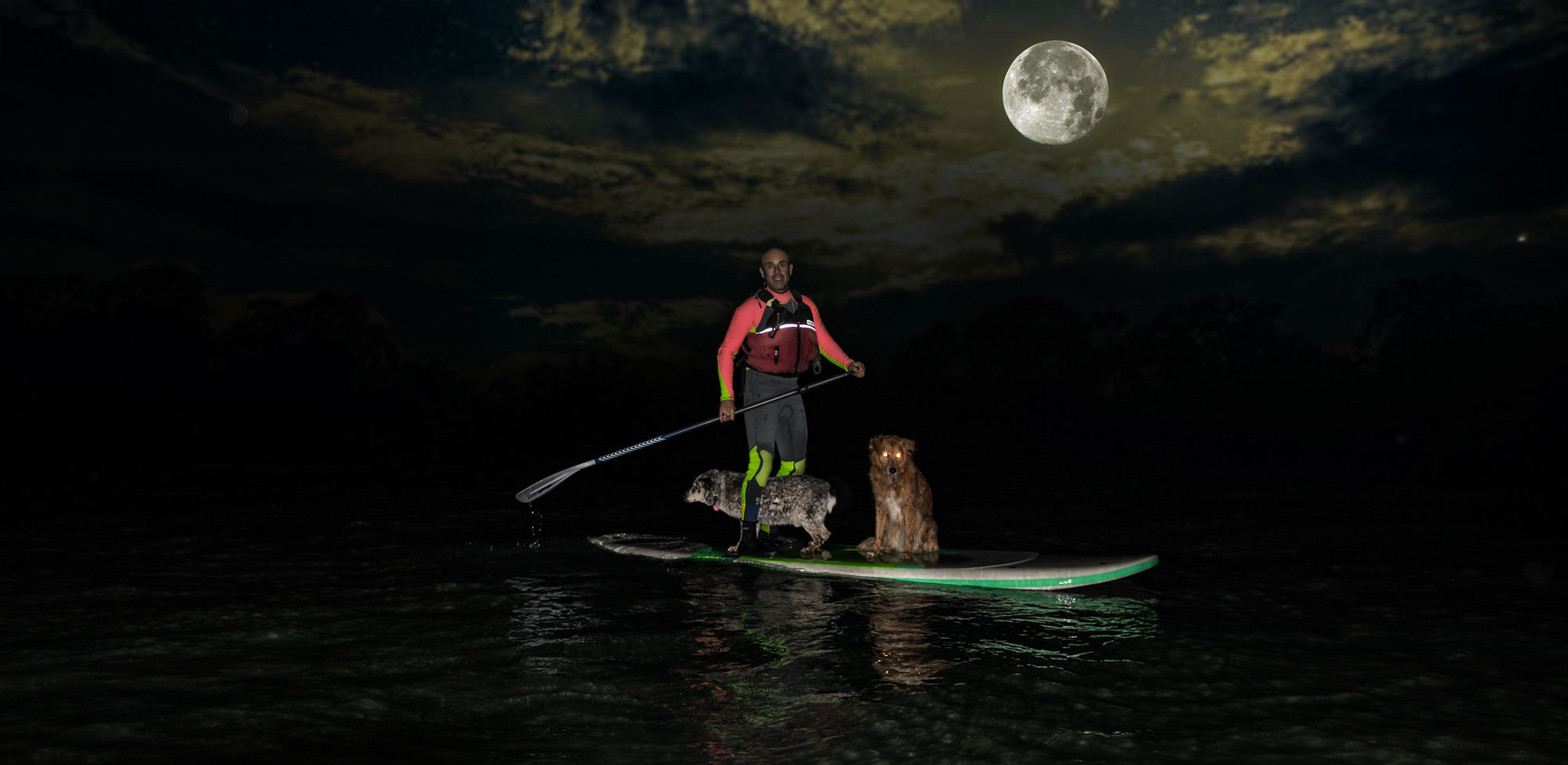 Howl at the moon tour - SUP and kayaking